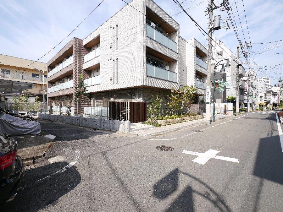 :商店街が便利な東武東上線【大山駅】より徒歩9分♪高級感のある築浅オートロックマンションです♪
