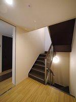その他共有部:階段部分もゆとりがありますよ♪