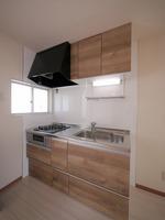 キッチン:お料理好きな人にもおすすめな2口ガスコンロのシステムキッチンに交換されました♪引き出しタイプの収納がたっぷりです!