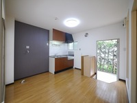 キッチン:窓付きで清潔感のあるダイニングキッチン♪