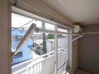 その他設備:この度、雨の日でもお洗濯物を干していただける室内物干機を新設致しました♪