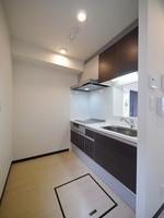 キッチン:作業スペースもゆったりなIH3口のシステムキッチン♪
